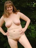 amateur milf tits outdoors