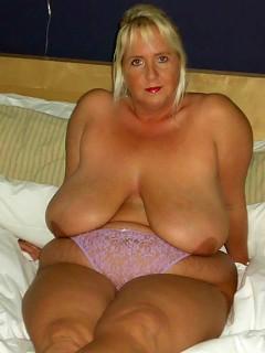 Daphne Stone exposes her gigantic boobs