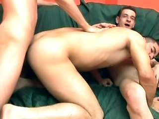 Brunette Poofter Gets Fucked In Missionary Position In A Gay Threesome