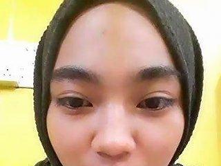 Malay Awek Tudung Hitam