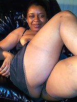 Bun Juice is a sweet little black mama. Watch her pull out those tantalizingly sexy titties while playing with her sexy sweet spot too