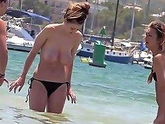 Voyeur Films Coeds At A Topless Beach