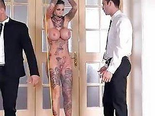 Tatoo Meisje In Een Threesome En Een Dp