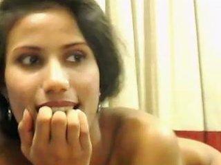 Lovely Desi Cam Beauty Demonstrates Her Nice Titties