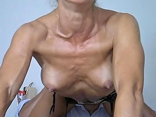 How Seller Surprises Her Client With A Strip And Good Fuck Full Hd