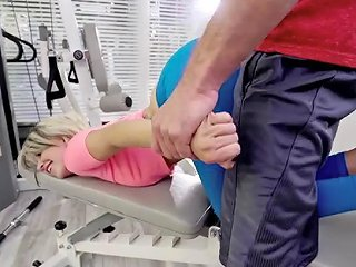 Petite Slut Pressley Carter Bangs With Her Hung Gym Instructor Sunporno Uncensored