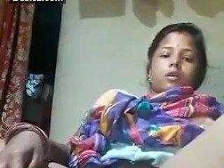 Desi Odia Aunty Masturbating With Potato And Cucumber