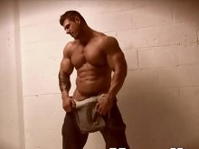 If any muscleman has made a name for himself into today's wired world, it's Zeb Atlas! Never content to coast on his laurels, the superstar