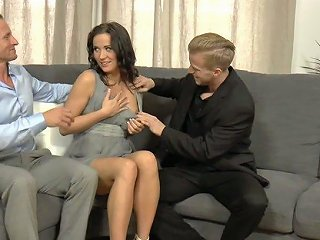 Delicious And Seductive Czech Wife Niki Sweet Gets Sandwiched