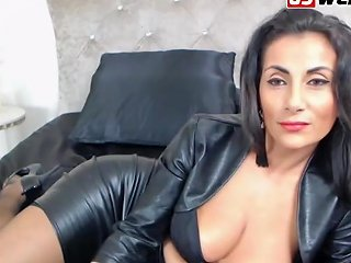 Gorgeous Mature Brunette In Leather Waiting For You 124 Redtube Free Brunette Porn