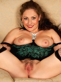Amateur milf shows her huge natural tits and sweet pussy