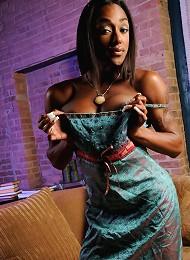 Ebony hottie Natalia Coxxx e...
